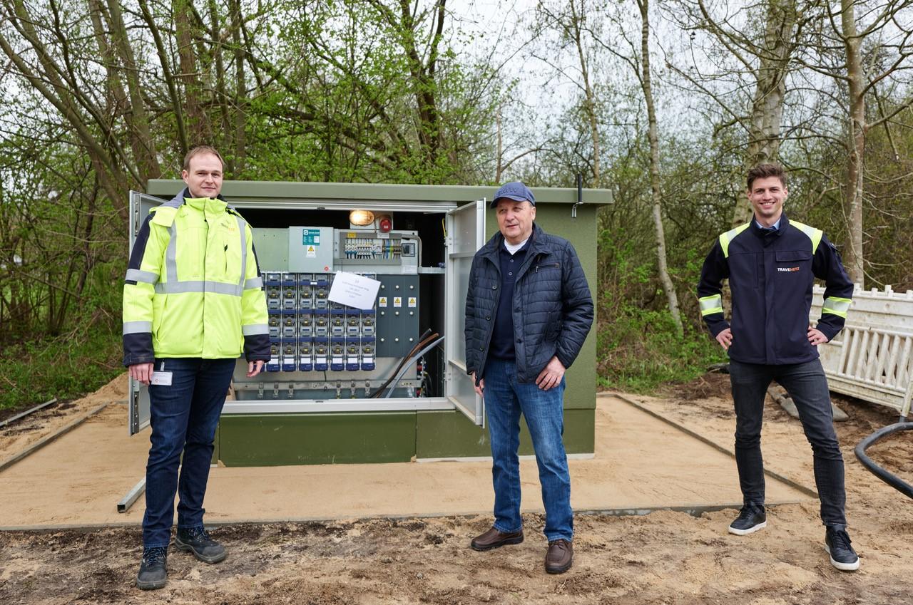 Die TraveNetz investiert rund 300.000 Euro in die 3,2 Kilometer lange Erdverkabelung in der Gemeinde Groß Sarau